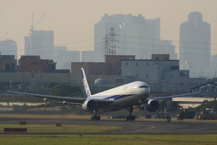 ANA B777-381 ANA14@エアフロントオアシス(by 40D with SIGMA APO300/2.8EX+APO TC2x)