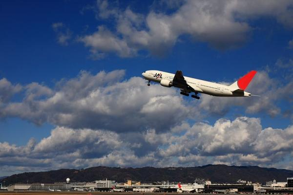 JAL B777-246 JL116@伊丹スカイパーク(by 40D with SIGMA 18-50)