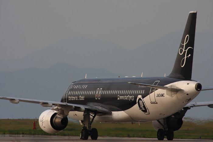 SFJ A320-214 SFJ83@北九州空港RWY36エンド付近(by 40D with SIGMA APO300/2.8EX+APO TC2x)