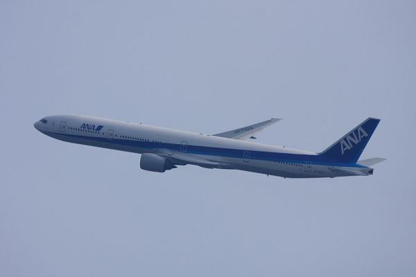 ANA B777-381 ANA14@大鹿TSUTAYA駐車場(by 40D with EF100-400/4.5-5.6L IS)