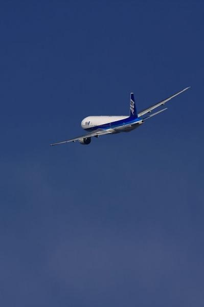 ANA B777-281 NH20@AFO(by 40D with SIGMA300/2.8EX AF)