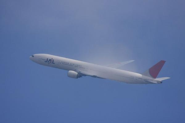 JAL B777-346 JAL2081@大鹿TSUTAYA駐車場(by 40D with EF100-400/4.5-5.6L IS)