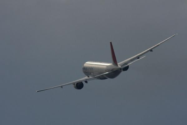 JAL B777-246 JAL126@下河原緑地展望台(by 40D with SIGMA300/2.8EX+APO TC2x)
