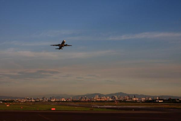 ANA A320-211 ANA527@エアフロントオアシス(by 40D with SIGMA18-50/2.8EX)
