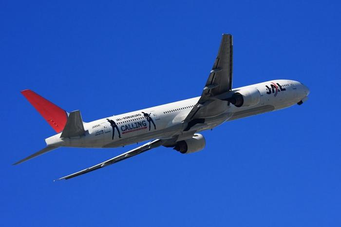 JAL B777-346 JAL2001@エアフロントオアシス(by 40D with EF100-400/4.5-5.6L IS)