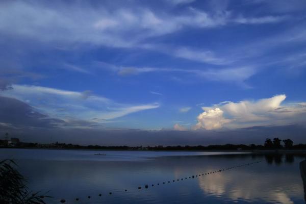 夕方の空@瑞ヶ池公園(by IXY DIGITAL 910IS)