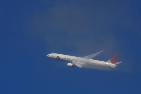 JAL B777-346 JAL2001@RWY14Rエンド猪名川土手(by 40D with SIGMA APO300/2.8EX+APO TC2x)