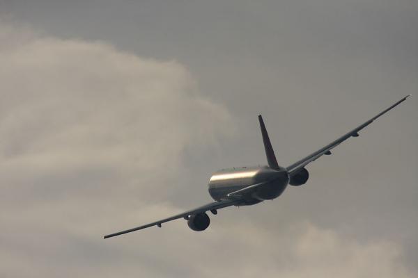 JAL B777-246 JAL126@エアフロントオアシス(by 40D with SIGMA APO300/2.8EX+APO TC2x)