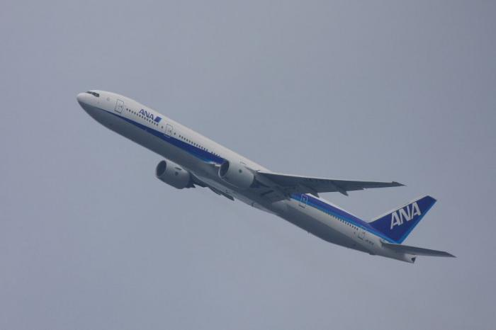 ANA B777-381 ANA105@自宅2階(by 40D with EF100-400/4.5-5.6L IS)