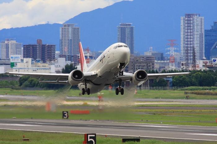 JEX B737-446 JAL2171@エアフロントオアシス(by 40D with SIGMA APO300/2.8EX+APO TC2x)