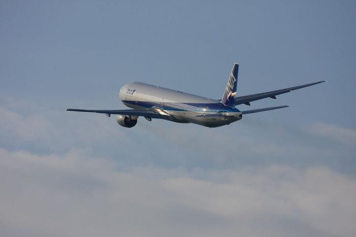 ANA B777-381 ANA34@伊丹リサイクルセンター周辺(by 40D with EF100-400/4.5-5.6L IS)