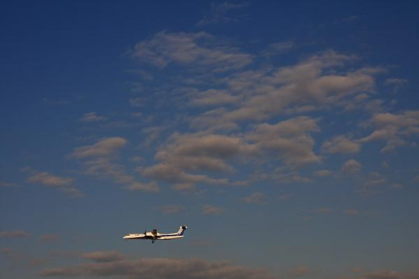ANA DHC8-Q400 NH1680@スカイランドHARADA(by 40D with SIGMA 18-50)
