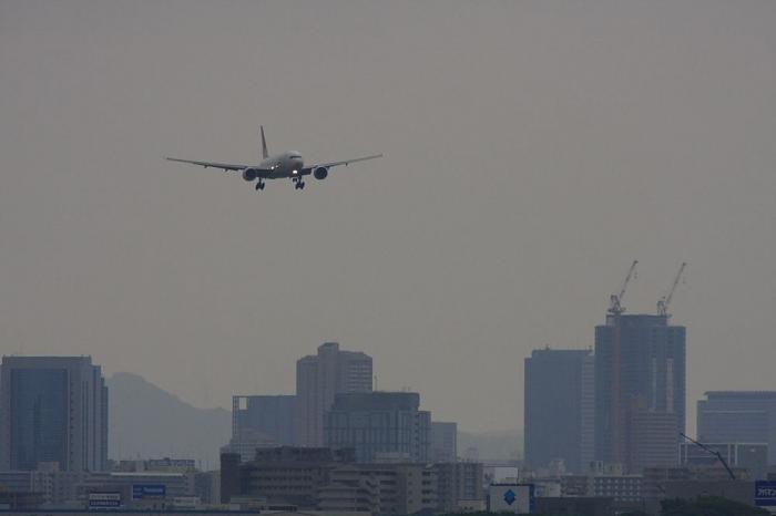 JAL B777-246 JAL101@エアフロントオアシス(by 40D with SIGMA APO300/2.8EX+APO TC2x)