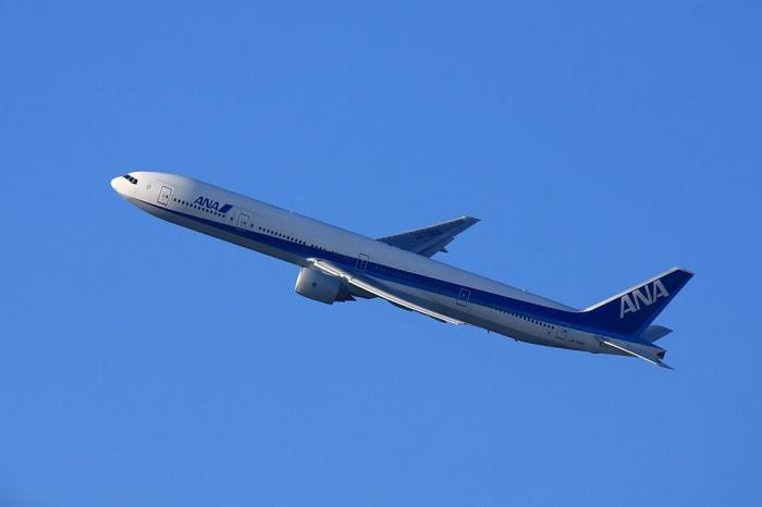 ANA B777-381 ANA34@伊丹市役所前歩道橋(by 40D with EF100-400/4.5-5.6L IS)