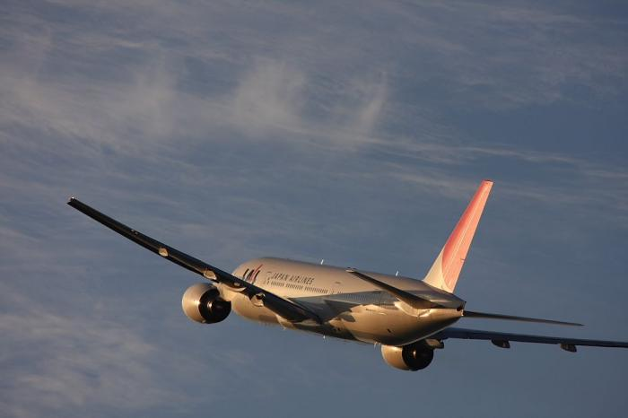 JAL B777-246 JAL128@リサイクルセンター周辺(by 40D with EF100-400/4.5-5.6L IS)
