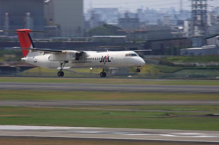 JAC DHC-8-Q400@JAC2422@ラ・ソーラ(by 40D with SIGMA APO300/2.8EX+APO TC1.4x)