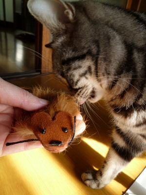 このネズミ、美味しいかも?