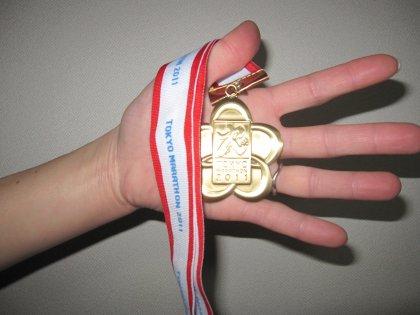 パパのメダルでつ!