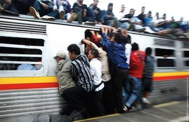 train_travel_jakarta_04.jpg