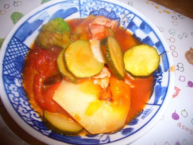 野菜のトマト煮込み
