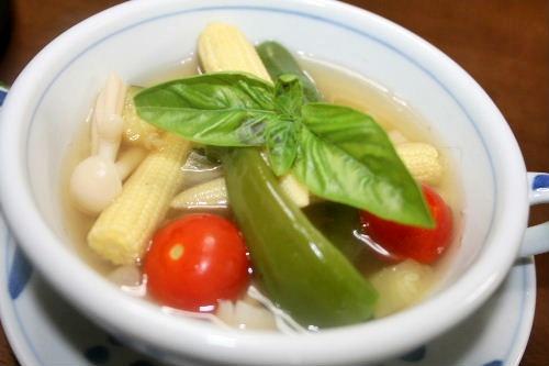 夏野菜でスープ