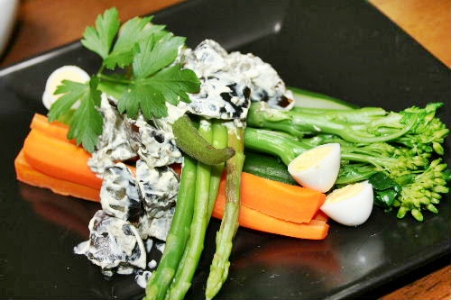 色々野菜のピータン添え