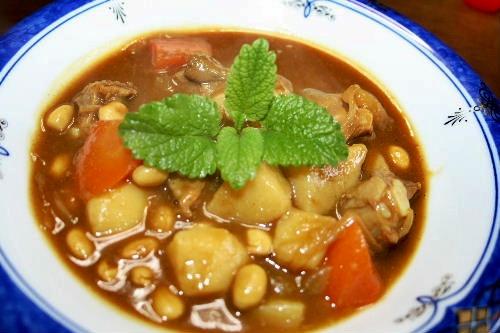 お豆と豚軟骨のカレー