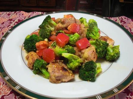 鶏とブロッコリとトマトの粒マスタード炒め