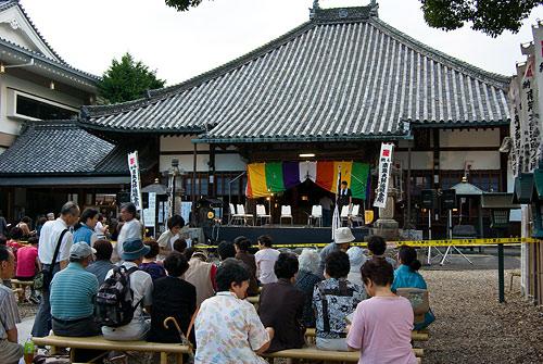 興正寺観月会-7