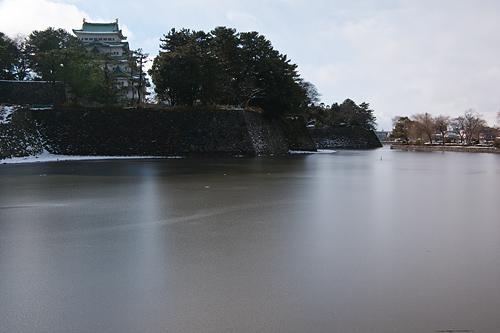 雪の名古屋城1-11