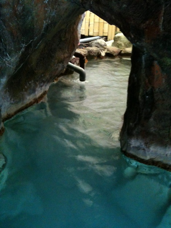 ホテル中の島洞窟4