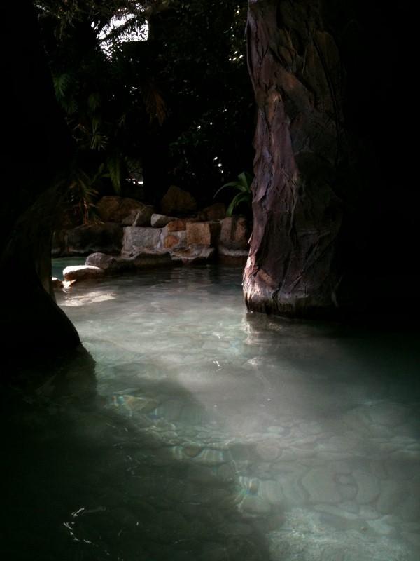 ホテル中の島洞窟7