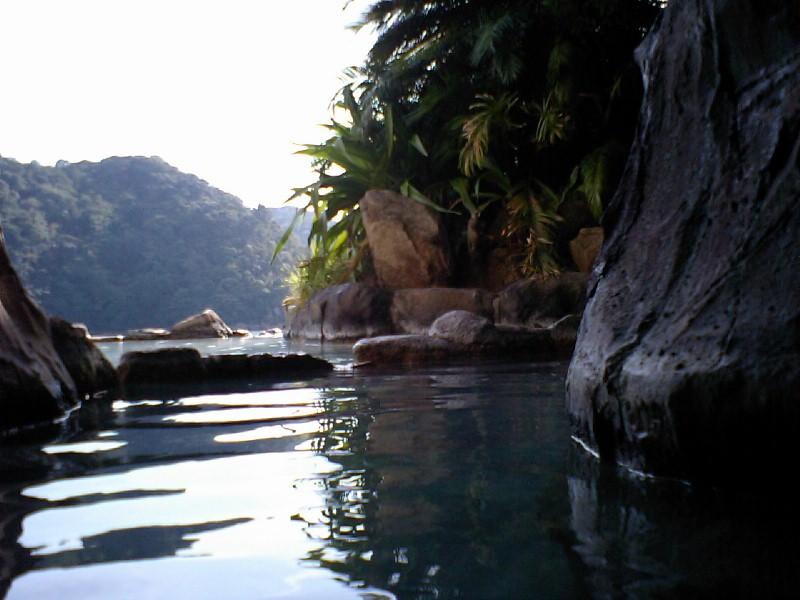 ホテル中の島洞窟9