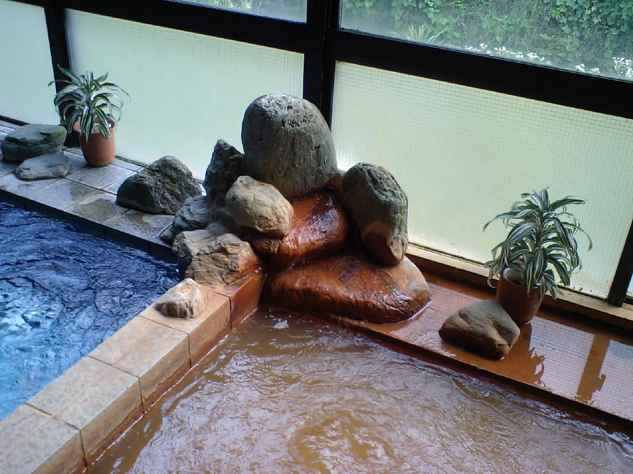 汐の湯 加熱湯口