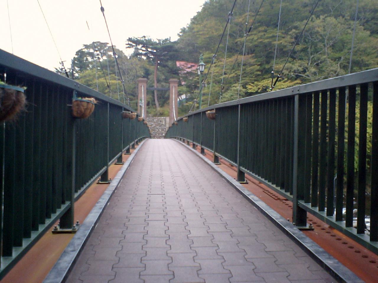 山ゆりのつり橋