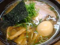 麺哲 薄口醤油らーめん煮卵トッピング