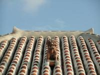 屋根のシーサー