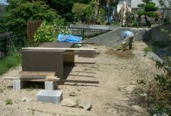 堆肥箱組み立て作業