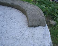 下書きに沿って粘土を配置