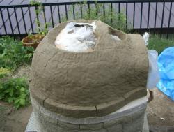 ここまで積んだところで粘土が品切れ