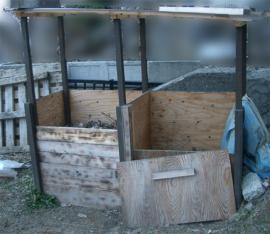 一冬越した堆肥箱