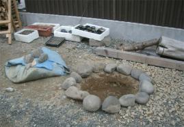 ツリバナ植え穴掘り