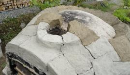 煙突孔周辺の粘土積み具合アップ
