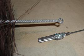 煙突尾掃除棒へのブラシ接合部