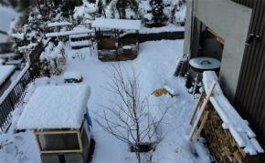2010初積雪-窯や風呂の様子