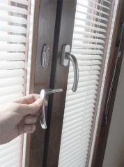 窓ロック用ハンドル