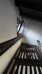 2階吹き抜け換気採光窓をオープンに