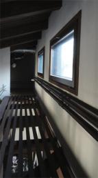 2階吹き抜け換気採光窓