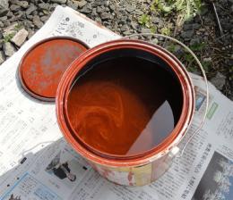 攪拌前の塗料