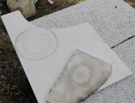 珪カル版に鉛筆でカット輪郭を描く